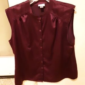 Womens Sleeveless Button-down Polyester Blouse